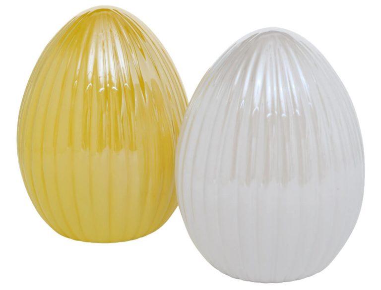 Eier-Oster-Dekoration in Weiß & Gelb