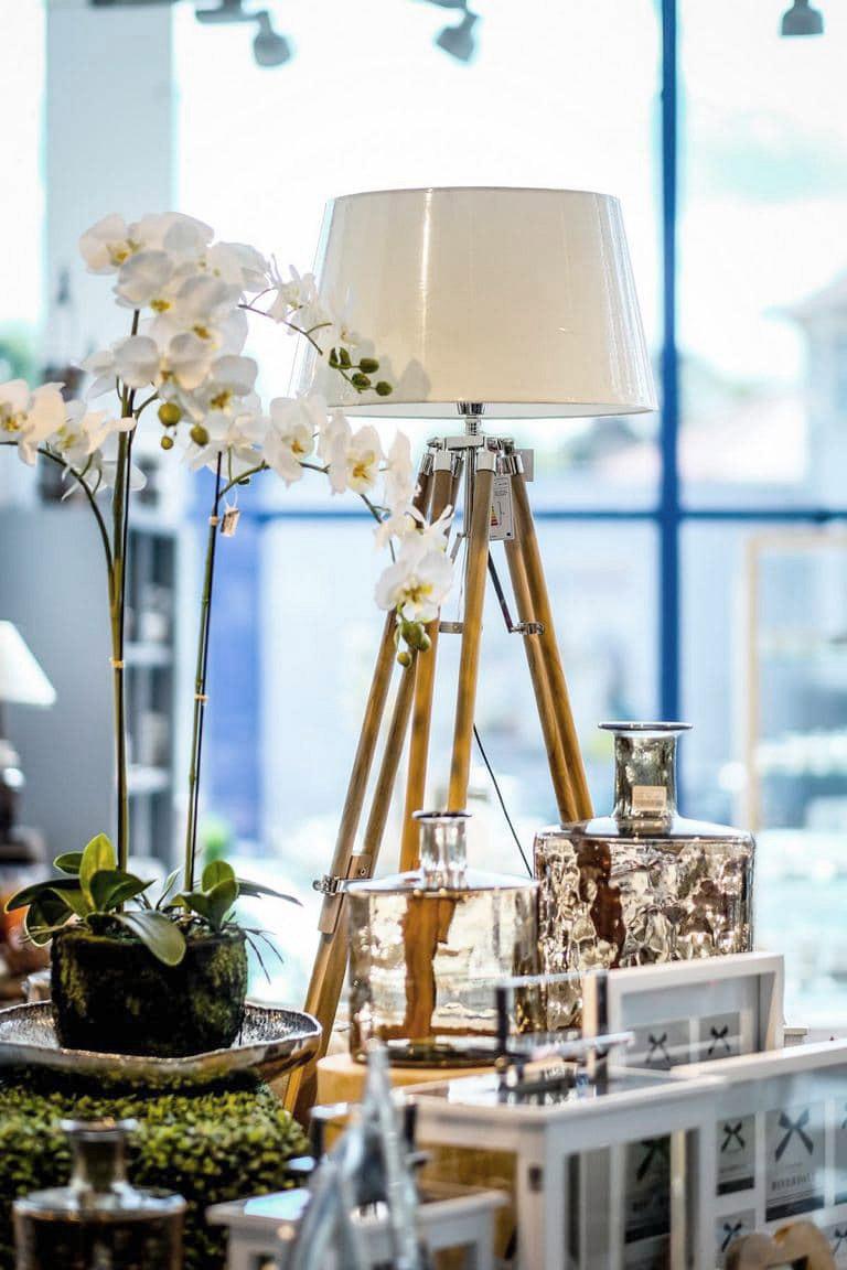 Wesa Ausstellung modern, Lampe